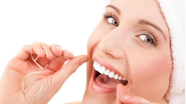 Quando e come iniziare lo sbiancamento dentale