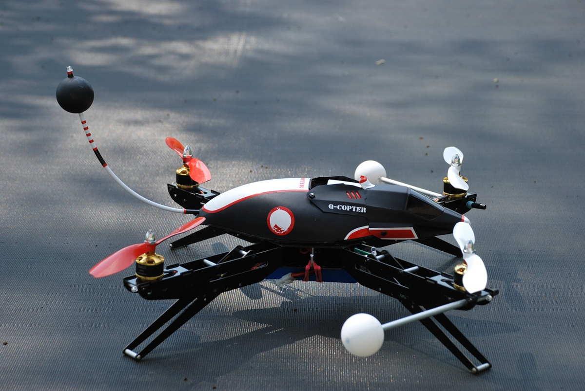 drone giocattolo
