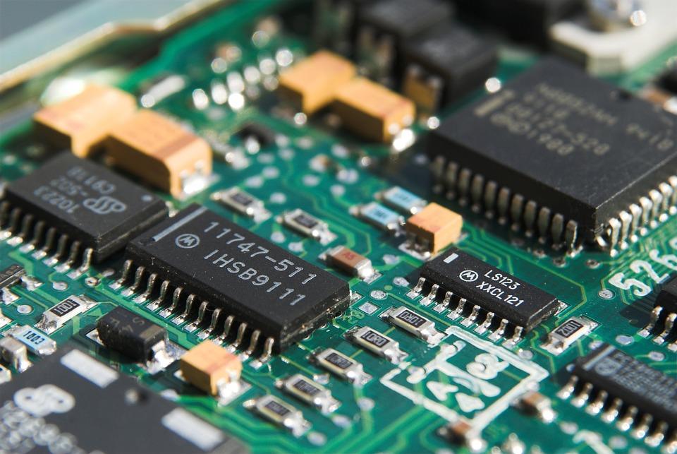 Smartphone e apparati elettronici obsoleti con dentro oro!